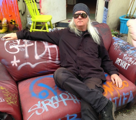 Revolution couch